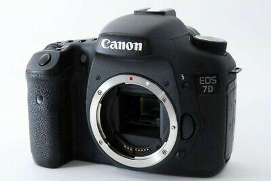 Excellent++ Canon EOS 7D 18.0MP Digital SLR Camera Body w/ Battery Grip from JP image 3