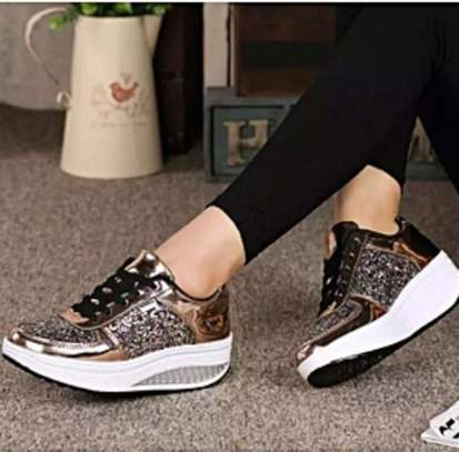 Women Sparkling shoes with glitter