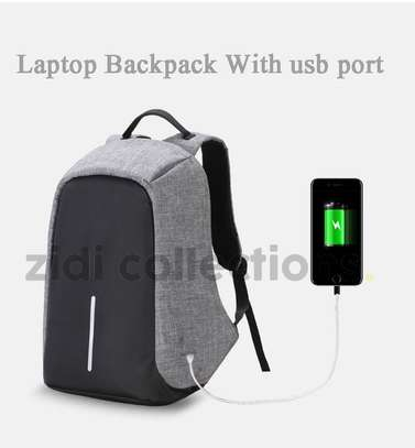 Bobby Design Anti-theft High Quality Laptop Backpack – USB Charging image 4
