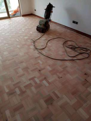 Floor sanding and vanishing image 9
