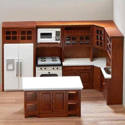 Classic cabinets/kitchen cabinets company/inbuilt kitchen cabinets workmen image 1