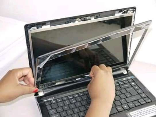 Laptop Broken screen replacement centre is here contact us