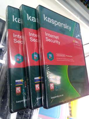 Kaspersky Internet Security 3 +1 Users/Devices image 1