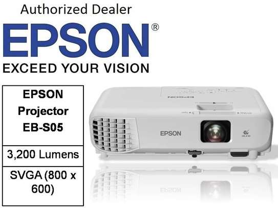 EPSON PROJECTOR SO5 image 1