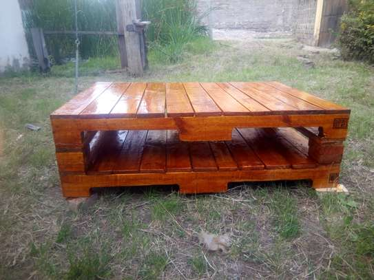 Pallet table image 1
