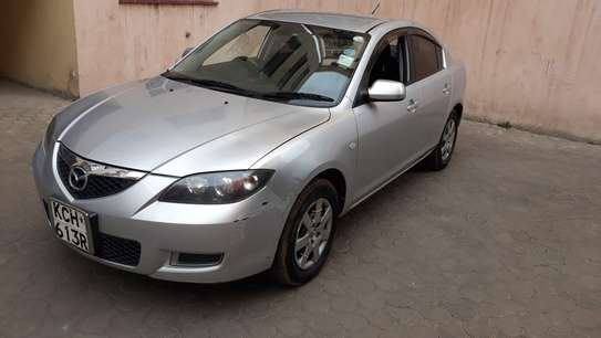 Mazda Axela image 6