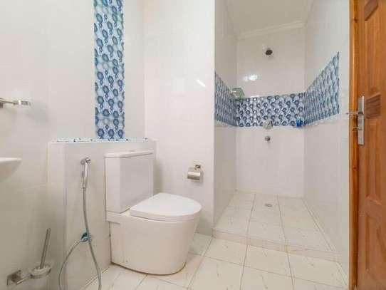 Furnished 3 bedroom apartment for rent in Kilimani image 7