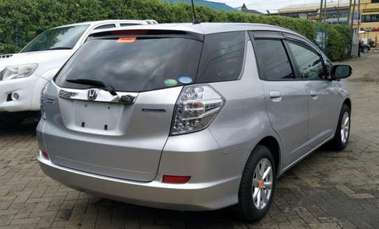 Honda Fit Shuttle image 2