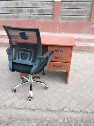Office desk 1m+ chair image 1