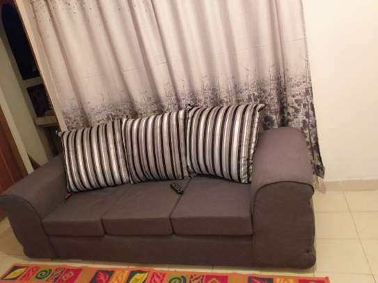 Three seater couch in mint condition