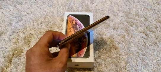 Apple Iphone Xs 512 Gigabytes Gold image 3