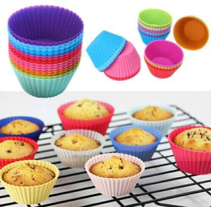 Silicone re-useable cupcake baking mold(12pcs) image 1