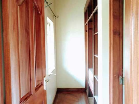 5 bedroom house for rent in Rosslyn image 17