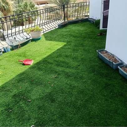 artificial grass carpet to withstand all weather condition image 3
