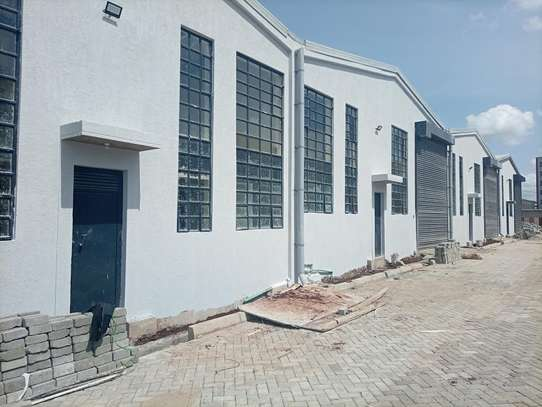 3000 ft² warehouse for rent in Mlolongo image 14