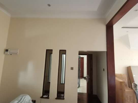 TASTEFULLY DESIGNED 3 BEDROOMED APARTMENT ALL ENSUITE WITH DSQ image 9