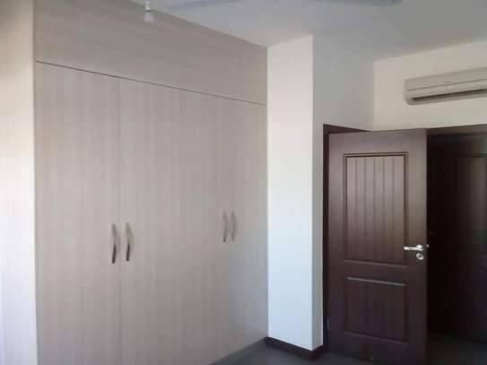 3 BEDROOM APARTMENT FRONT ROW image 4