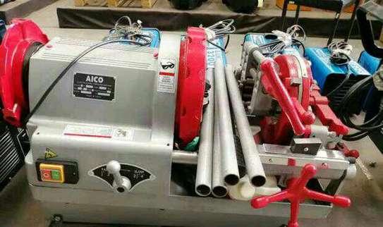 Brand new 1/2 2 pipe threading machine. image 1