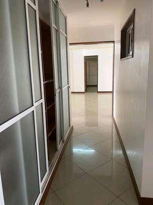 Very spacious 4 Bedroom sea view apartments to let at nyali Mombasa Kenya image 4