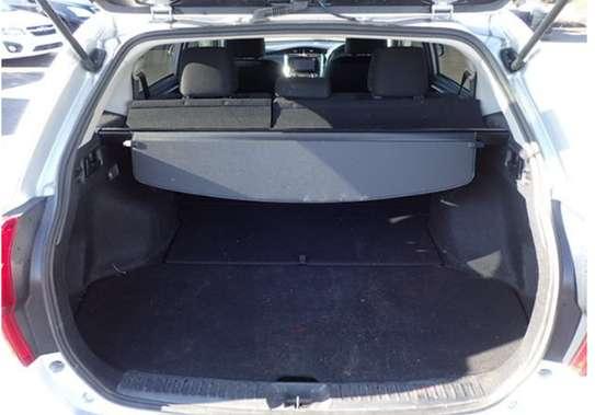Toyota Fielder Hybrid image 4