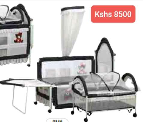 Baby Beds with wheels image 4