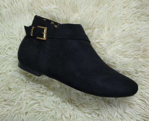 Flat suede Ankle boots image 5