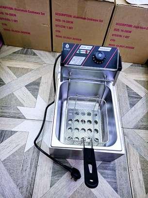 Electric Deep Fryer image 4