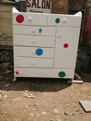 Chest of drawers image 4