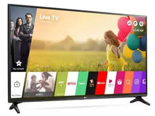 LG 32 inch digital smart TV image 1