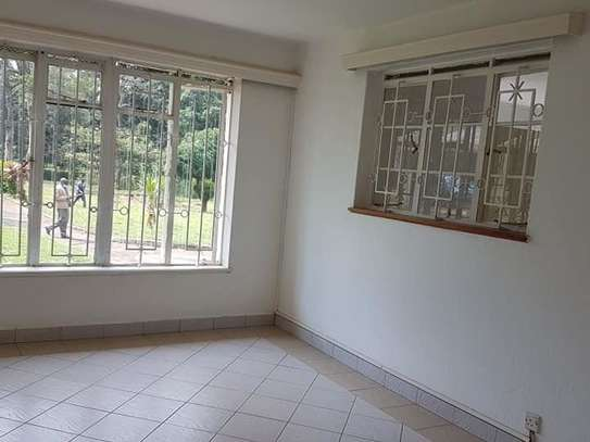 5 bedroom house for rent in Rosslyn image 14