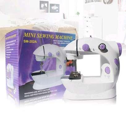 Electric Mini sewing machine image 2