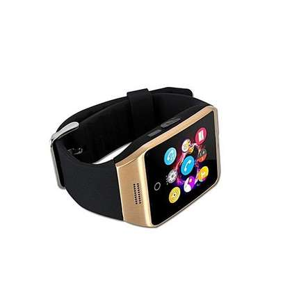 Q18 Smart Watch Phone - 0.8MP Camera – Single SIM/Memorycard- Gold. image 2