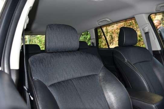 2012 Subaru Legacy image 9