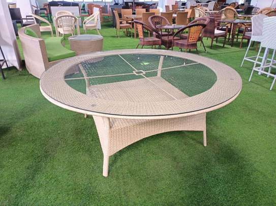 Round table image 1