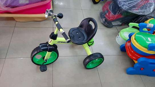 Kid's tricycles image 3