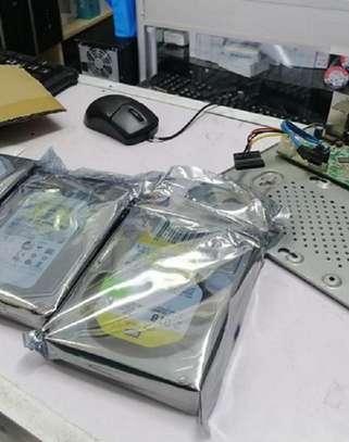 1TB Western Digital WD,Seagate,Toshiba Or HGST Desktop Internal image 1