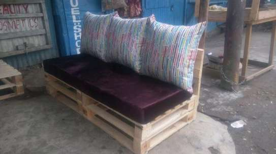 3 seater pallet sofa/pallet sofa/pallet furniture image 1
