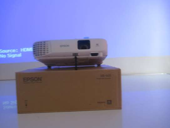 epson EB-E01 ,3LCD projector XGA projector -white (10000 hrs) image 1
