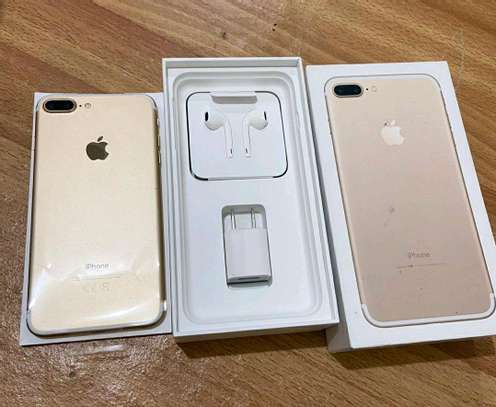 Apple Iphone 7 Plus ¤ Gold 256 Gigabytes  And Wireless Charger image 1