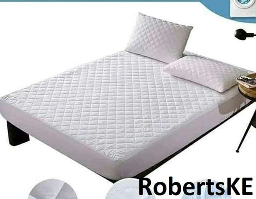 cream mattress cover image 1