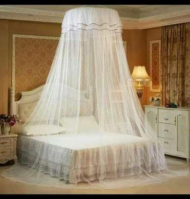 Round Mosquito Net- White image 1