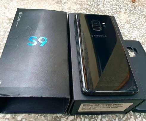 Samsung Galaxy S9 256 Gigabytes Gear Vr image 2