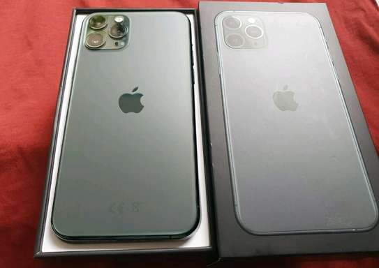 Apple Iphone 11 Pro Max  ¤ 512 Gigabytes  Green  And Wireless Charger image 1