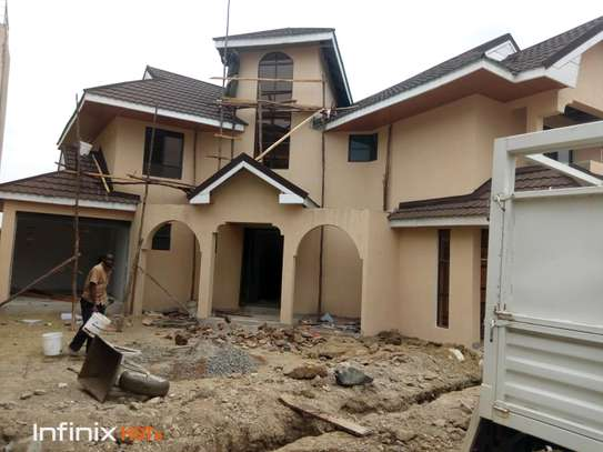Executive 4 bedroom with dsq all ensuite for sale image 4