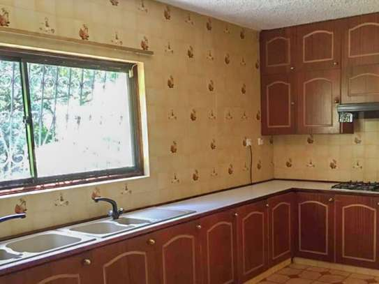 4 bedroom house for rent in Old Muthaiga image 9