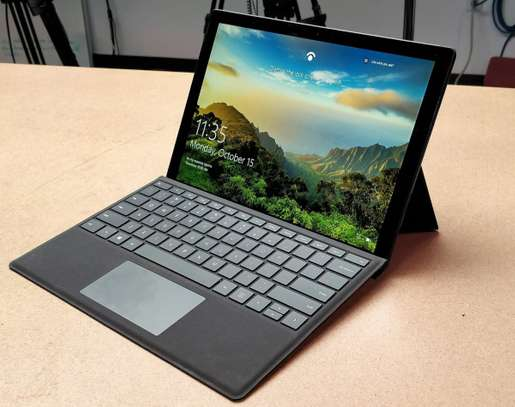 Microsoft Surface Tablet image 2