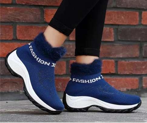 Fashionable ladies sneakers image 3