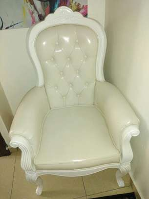 1 Comfy butterfly white leather sofa. image 2