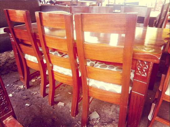 Dinning with 6 chairs