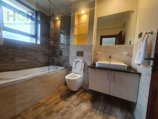 3 Bedroom Apartment Riverside image 3